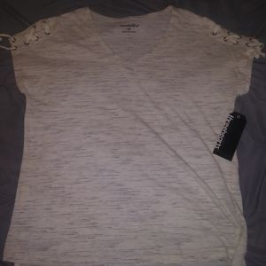 💥5 for $15💥 ThreeHearts top NWOT